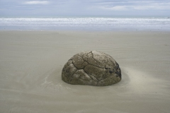 Peter Harper:  Birth and death of Moeraki Boulders